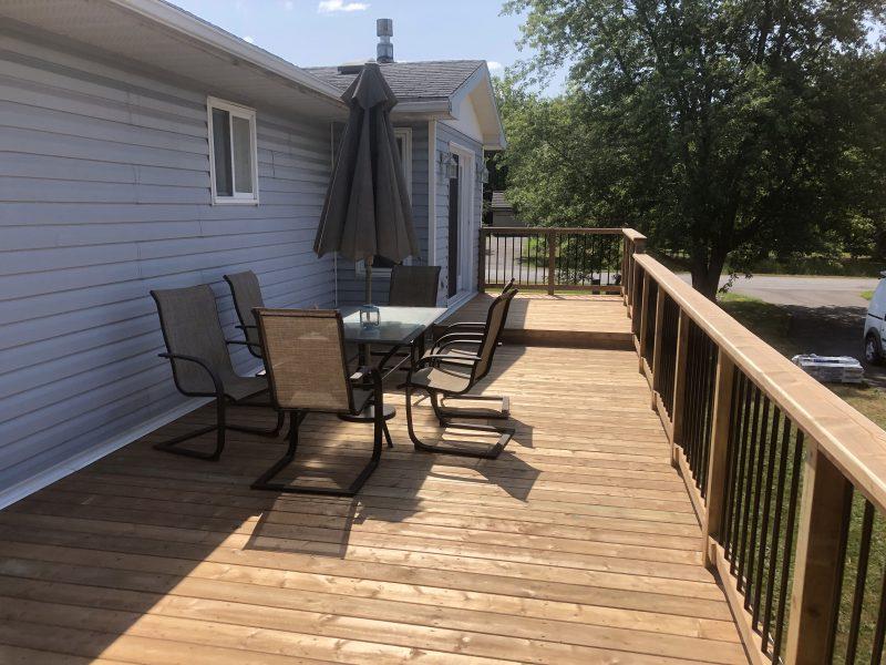 Outdoor Living on Deck